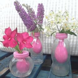 利用气球改造玻璃瓶 DIY花瓶的方法教程