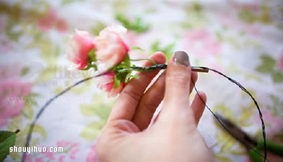 新娘鲜花花环diy手工制作方法图解教程