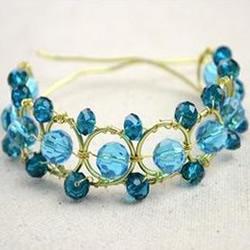 适合夏天佩戴的金属丝水晶串珠手镯手链