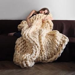 Anna Mo 用美丽诺羊毛DIY超粗针织棉被