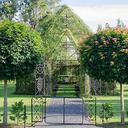 会呼吸的教堂,以树木建造而成的绿色秘境