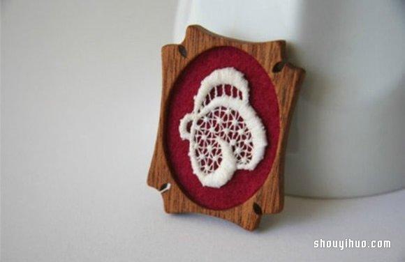将手工刺绣与小木块结合