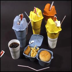 速食外带新包装 汉堡饮料一手掌握!