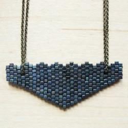 串珠爱心项链坠子DIY制作的方法图解教程
