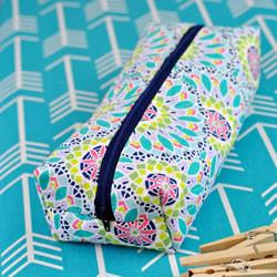 拼布风拉链小包手工制作 当化妆包笔袋或