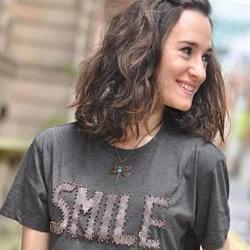 旧T恤DIY改造成时尚短衫的方法步骤图解
