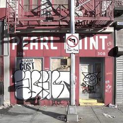 纯手工微型模型 重现纽约传统风格小店街