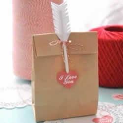 情人节手工:利用卡纸和吸管制作丘比特之箭