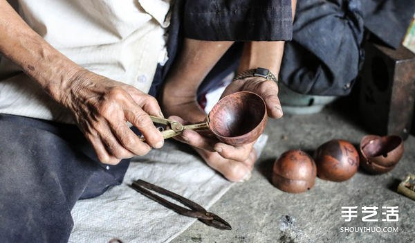 再见一甲子的铜勺时光 黄有信阿公的铜冰勺工艺 -  www.shouyihuo.com