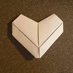 立体心形折纸图解 立体爱心的折法步骤