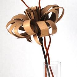 卷纸筒变废为宝手工制作立体花朵的方法教程