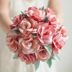 如何制作玫瑰花手捧花 剪纸玫瑰手捧花图解