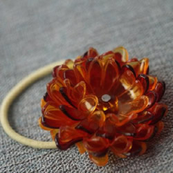 塑料花怎么做 美丽的塑料花头绳DIY手工制
