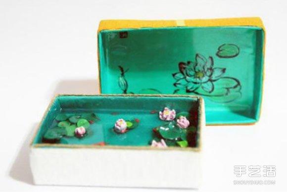 不要的铁盒子,除了可以当当收纳盒外,废物利用的例子比较少~不过可不代表没有哦!下面我们就要用超轻粘土把铁盒子改造成一个美丽的池塘,耳边仿佛传来了《荷塘月色》的歌声~~~