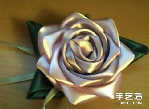 缎带玫瑰花的做法教程 手工缎带玫瑰花折法图解图片