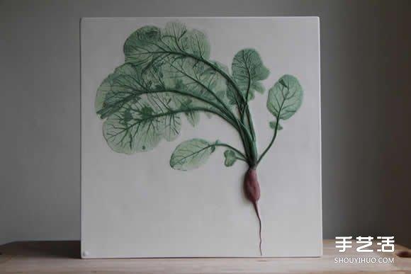 将花草和蔬菜放入陶土 制作出植物化石瓷砖 -  www.shouyihuo.com