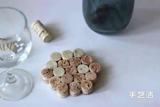 酒瓶塞废物利用手工制作杯垫餐盘垫的方法图片