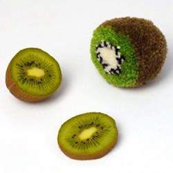 用毛线制作猕猴桃方法 毛线猕猴桃小饰品DIY