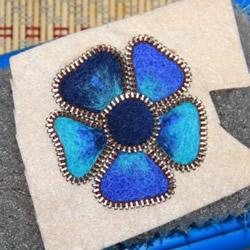 冷艳的羊毛毡花朵DIY 将毛毡和拉链合为一体