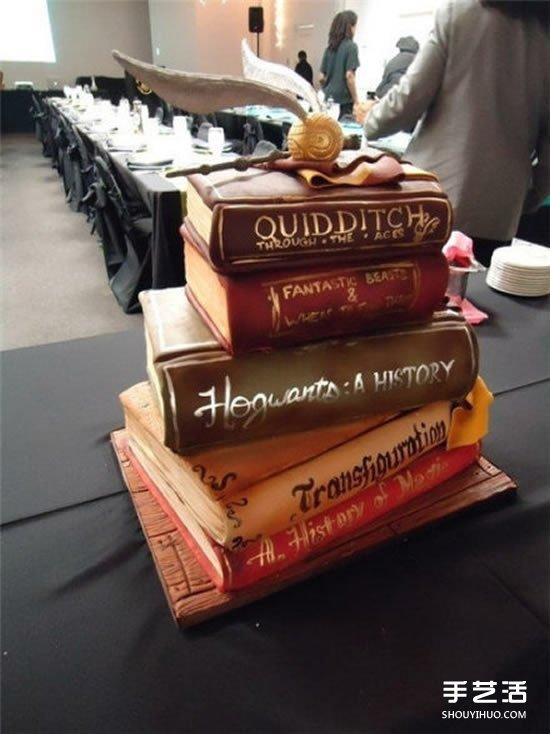 栩栩如生_创意书蛋糕图片 看起来就像是一本本堆叠的书_手艺活网