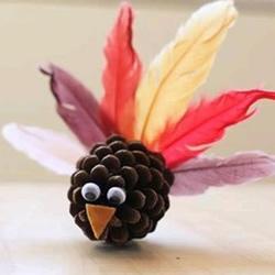 幼儿松果小制作:简单又可爱的手工小鸟