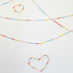 幼儿吸管手工制作 做出节日里漂亮的多彩装饰