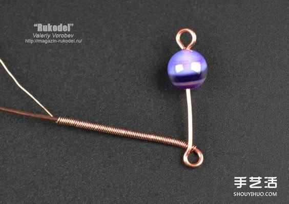 金属丝串珠挂饰DIY图解 精致绕线挂件手工制作 -  www.shouyihuo.com