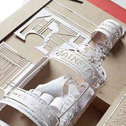 精美纸雕画作品图片 创作出翻倒的伏特加酒瓶