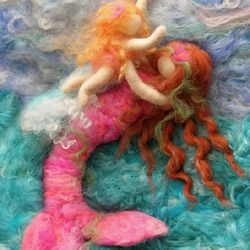 让美人鱼形象尽毁的羊毛毡作品图片