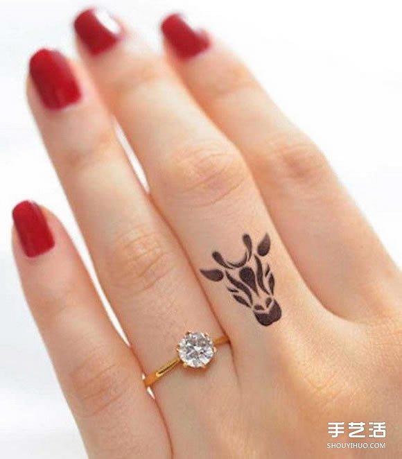 在指尖上许愿 优雅手指纹身图案的迷人魅力