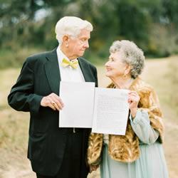 最浪漫的事:结婚65年的甜蜜夫妻重拍婚纱照
