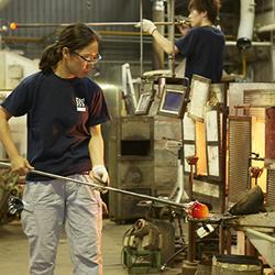 当星巴克遇上日本江户传统手工玻璃工艺!