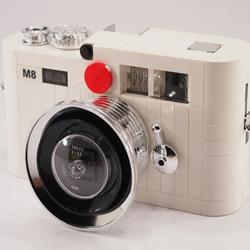 经典重现:乐高版白色 Leica M8 相机模型