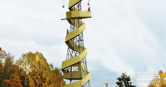 在建筑的世界中,能被改造的不只是老屋,还包括长年为大家默默服务的基础建设,像是 Anders Berensson 建筑师事务所最近就被委以重任——帮12座位于瑞典斯德哥尔摩的闲置大型电塔,找出延续生命的事业第二春。
