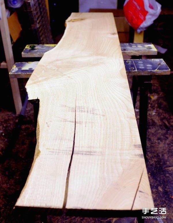 裂開的木板別丟掉 利用樹脂改造成時尚傢具