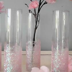 利用闪粉改造玻璃花瓶的手工小制作图解