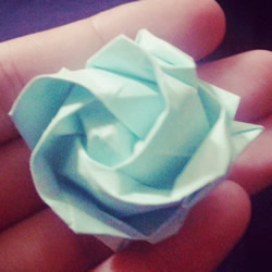 纸玫瑰花的折法步骤 手工立体玫瑰折纸图解