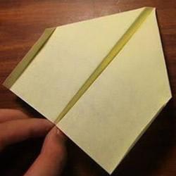 最稳定的飞机折纸图解 飞得平稳的飞机的折法