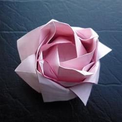日本折纸大师的复杂玫瑰花折纸教程步骤图解