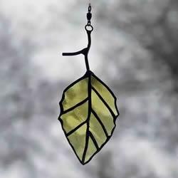 酒瓶废物利用DIY树叶 玻璃叶子挂件DIY图片