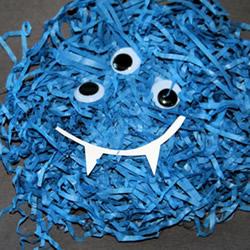 碎纸条小怪物手工制作 幼儿园小怪物简单