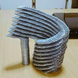 高难度平衡游戏 平衡高手用硬币挑战堆叠极限