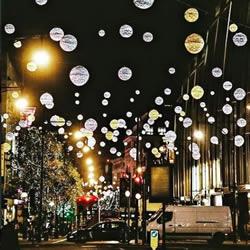 圣诞期间的伦敦街道 宛如惊喜处处的奇幻国度