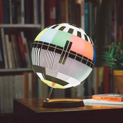 怀旧台灯设计 唤醒爱看电视儿童的共同回忆