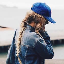冬天发型没整理?3种基本帽子穿搭让你穿出时尚
