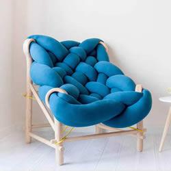 角落的大麻花沙发设计 就像一个柔软的大抱枕