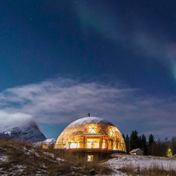 我家住在北极圈!欢迎光临自给自足的温室小屋