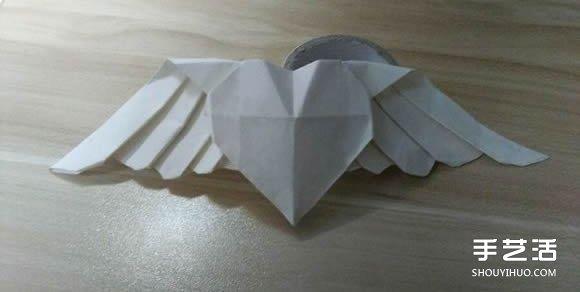纸艺大全 折纸大全 心形折纸  情侣间玩个小浪漫,折纸爱心是最方便的