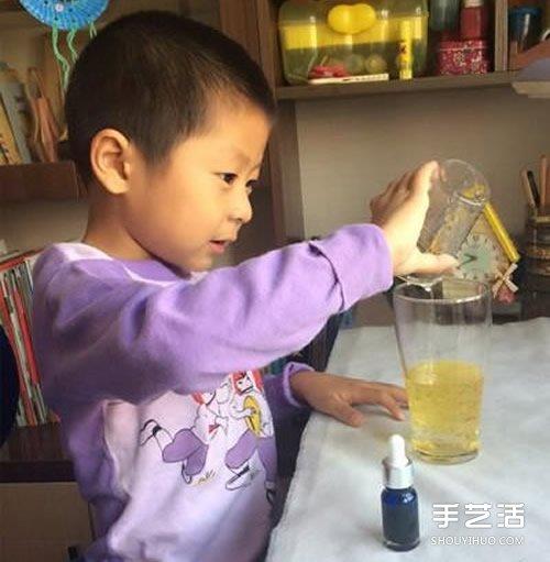 有趣的油水小实验:模拟火山熔岩喷发的景观 -  www.shouyihuo.com