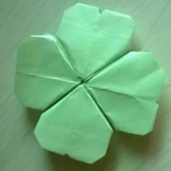 一张纸折四叶草图解 创意四叶草的折法步骤